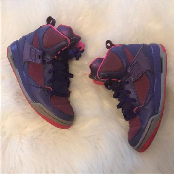 03ddc3687bd Pink & Purple Jordans. M_5b7f28b20e3b86f0c58408e0